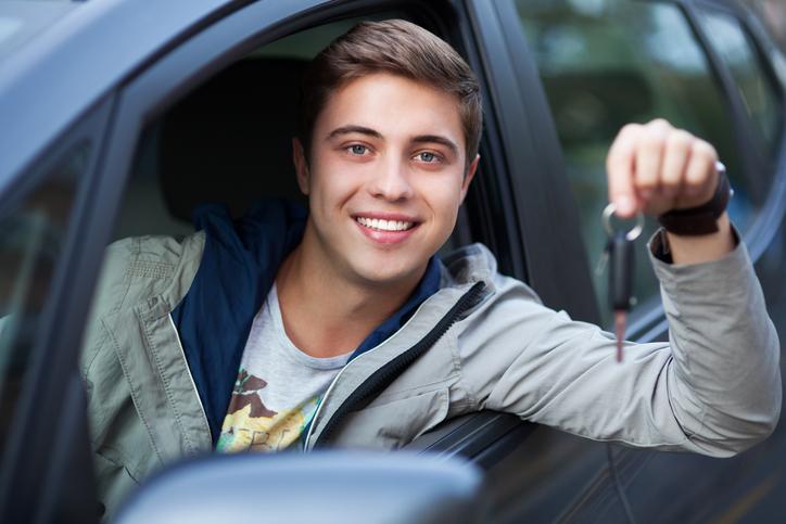Her finner førerkort kurs